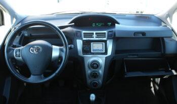 Toyota Yaris Connect 1.0 5P full